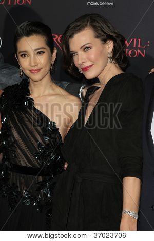 LOS ANGELES - SEP 12: Li Bingbing, Milla Jovovich at the LA premiere of 'Resident Evil: Retribution' at Regal Cinemas L.A. Live on September 12, 2012 in Los Angeles, California