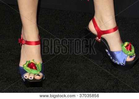 LOS ANGELES - SEP 12:  Hannah Marks arrives at the