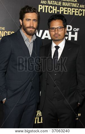 LOS ANGELES - SEP 17:  Jake Gyllenhaal, Michael Pena arrives at the