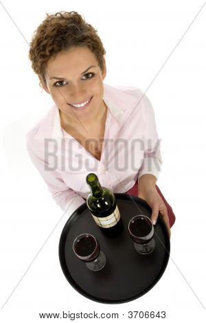 Camarera servir vino