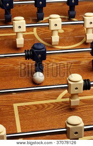 Jogo de mesa de pebolim de madeira