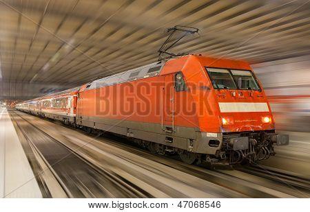 Deutscher Zug In München Station - Bayern