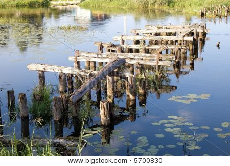 Old  Bridge's Ruins, Logs In Water
