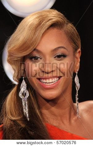 Beyonce at the 2011 MTV Video Music Awards Arrivals, Nokia Theatre LA Live, Los Angeles, CA 08-28-11
