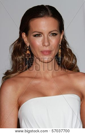 Kate Beckinsale at the LACMA Art + Film Gala Honoring Clint Eastwood and John Baldessari, LACMA, Los Angeles, CA 11-05-11