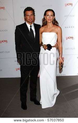 Len Wiseman, Kate Beckinsale at the LACMA Art + Film Gala Honoring Clint Eastwood and John Baldessari, LACMA, Los Angeles, CA 11-05-11