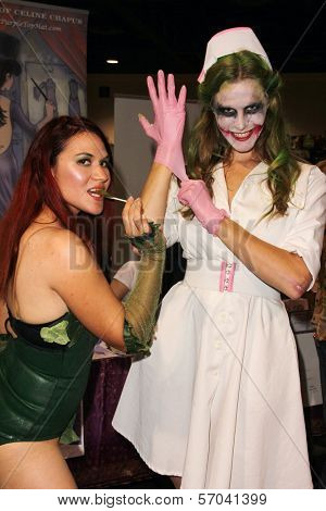 Emily Ruth, Bennett Cousins at Long Beach Comic and Horror Con, Long Beach Convention Center, Long Beach, CA 10-30-11
