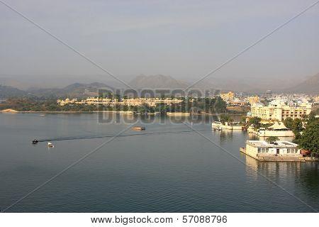 Lake Pichola And Udaipur City, Rajasthan, India