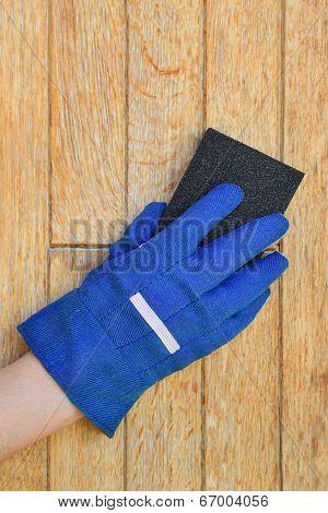 Plank Preparation With Sanding Sponge