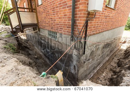 Foundation With Wires