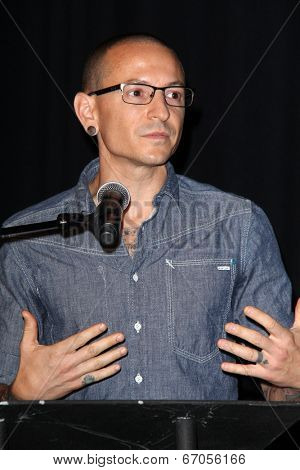 LOS ANGELES - JUN 18:  Linkin Park, Chester Bennington at the Linkin Park Rockwalk Inducting Ceremony at the Guitar Center on June 18, 2014 in Los Angeles, CA