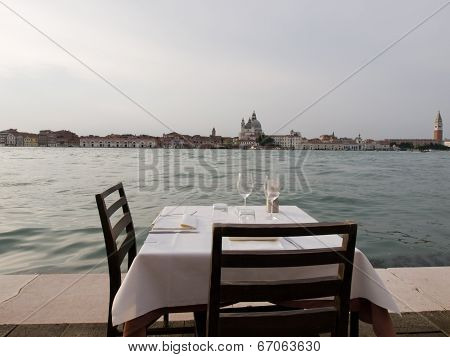 Romantic Table, Venice