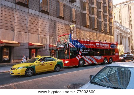San Francisco, CA, US - Oct 2, 2012: Open Top Sightseeing Tour Bus At Downtown Street