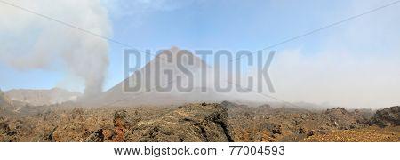 Volcao De Pico Erupts