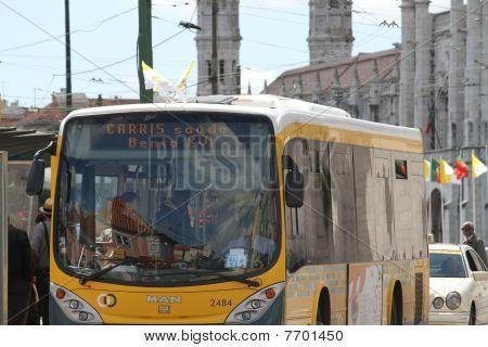 Bus Greetings to Pope Benedict XVI
