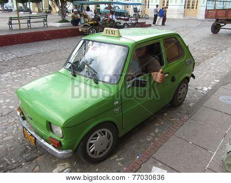 A Very Vintage Cuban Taxi