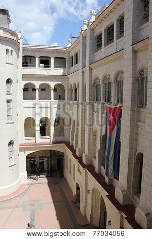 Museum Of The Revolution, internal court