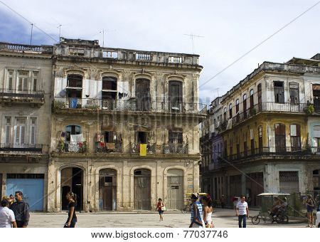 Decaying Building In Old Havana