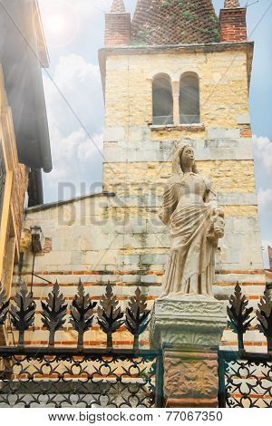 Statue On The Fence Around Arches Scaligero In Verona, Italy
