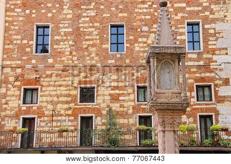Tabernacle At Piazza Dei Signori In Verona, Italy