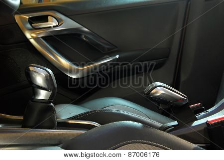 manual gear shift handle and handbrake