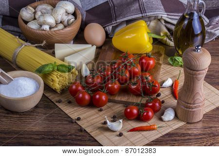 Spaghetti and pasta ingredients
