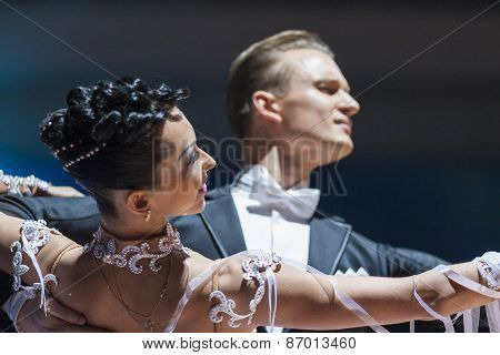 Minsk, Belarus-february 15, 2015: Kazyra Artsem And Veslova Anastasiya From Belarus Performs Adult S
