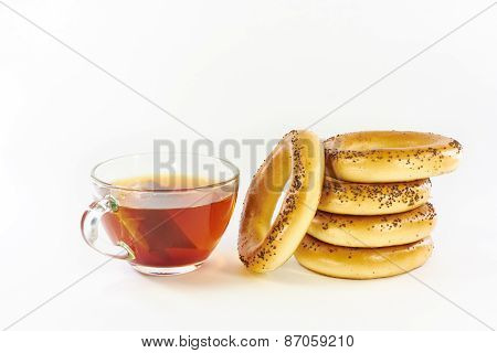 Bagels With Poppy Seeds And Black Tea