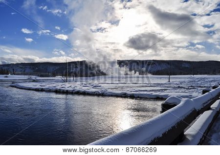 Yellowstone Park snowy in winter