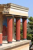 pic of minos  - The ruins at Knossos - JPG
