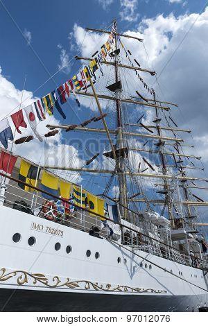 Polish Training Tall Ship Dar Pomorza