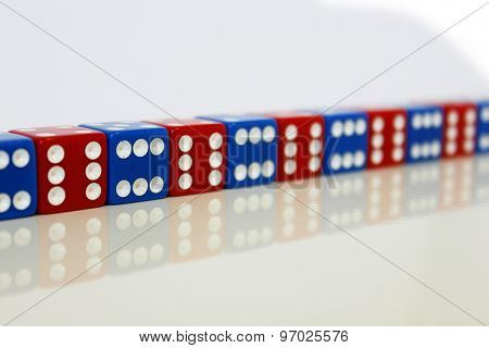 Wuerfel Spiel game play dice rot blau number