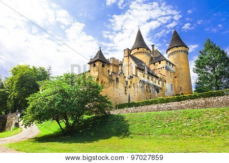 beautiful  castles of France - Puimartin