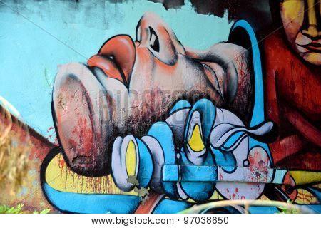 Street art Montreal alien.