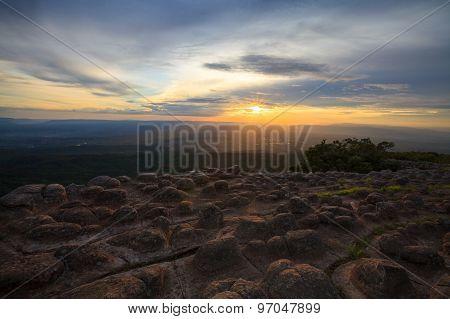 Laan Hin Pum Viewpoint During Sunset At Phu Hin Rong Kla National Park, Phitsanulok, Thailand..