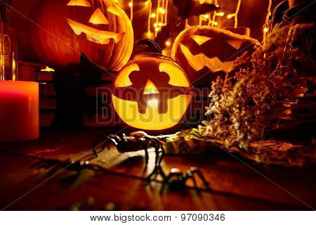 Jack-o-lanterns and other traditional symbols of evil holiday