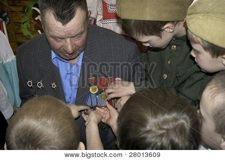 worl war veteran and children