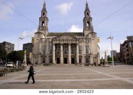 Leeds , Civic Hall.