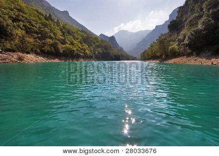 The river Verdon on the average current, between high walls of a canyon
