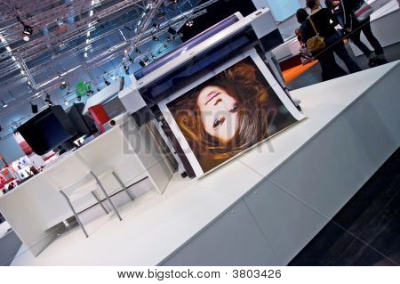 Printers At Photokina 2008 Beautiful Model Printing Action