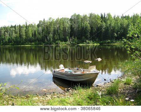 Run-a-bout boat scenic