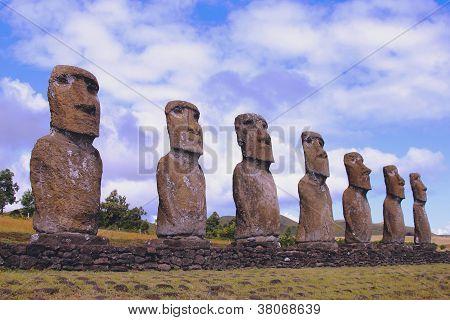 Zeven moai platform
