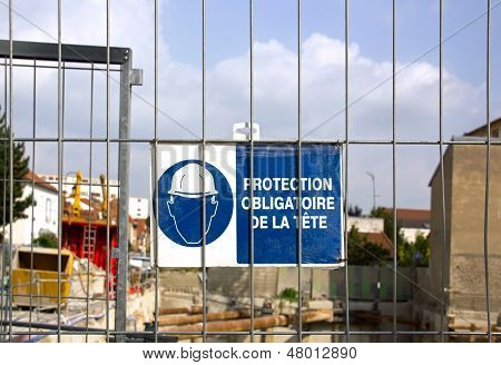 Panel  compulsory protection of the head  (France Europe)