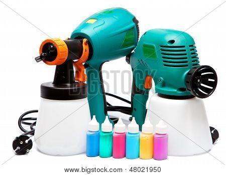 two different construction electrical spray gun for pulverization of color and small bottles with co