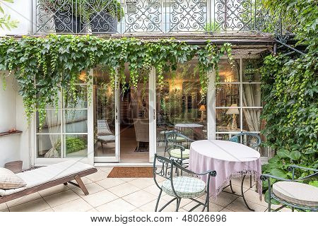 Vintage Mansion - Veranda
