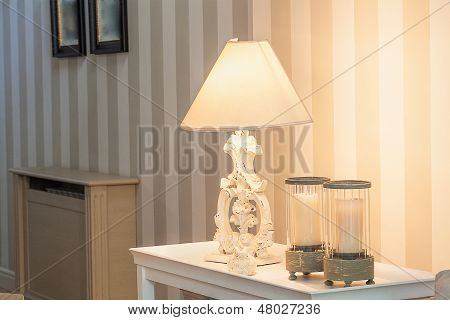 Vintage Mansion - Lamp