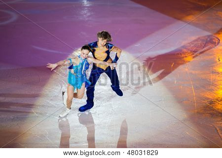 MOSCOW - DEC 14: Couple perform at Young sportives display an iceskating shot at Ice Palace Mechta on December 14, 2012 in Moscow, Russia.