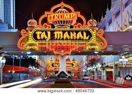 ATLANTIC CITY, NJ - SEPTEMBER 8: Taj Mahal Casino 8. September 2012 in Atlantic City, New Jersey.  Glücksspiel