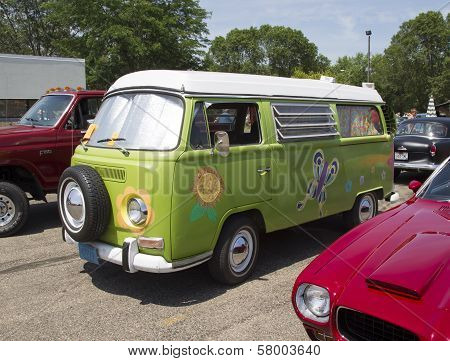 1968 Vw Hippie Camper Special Van Side View