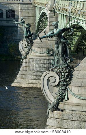 Prague - Chehuv Bridge